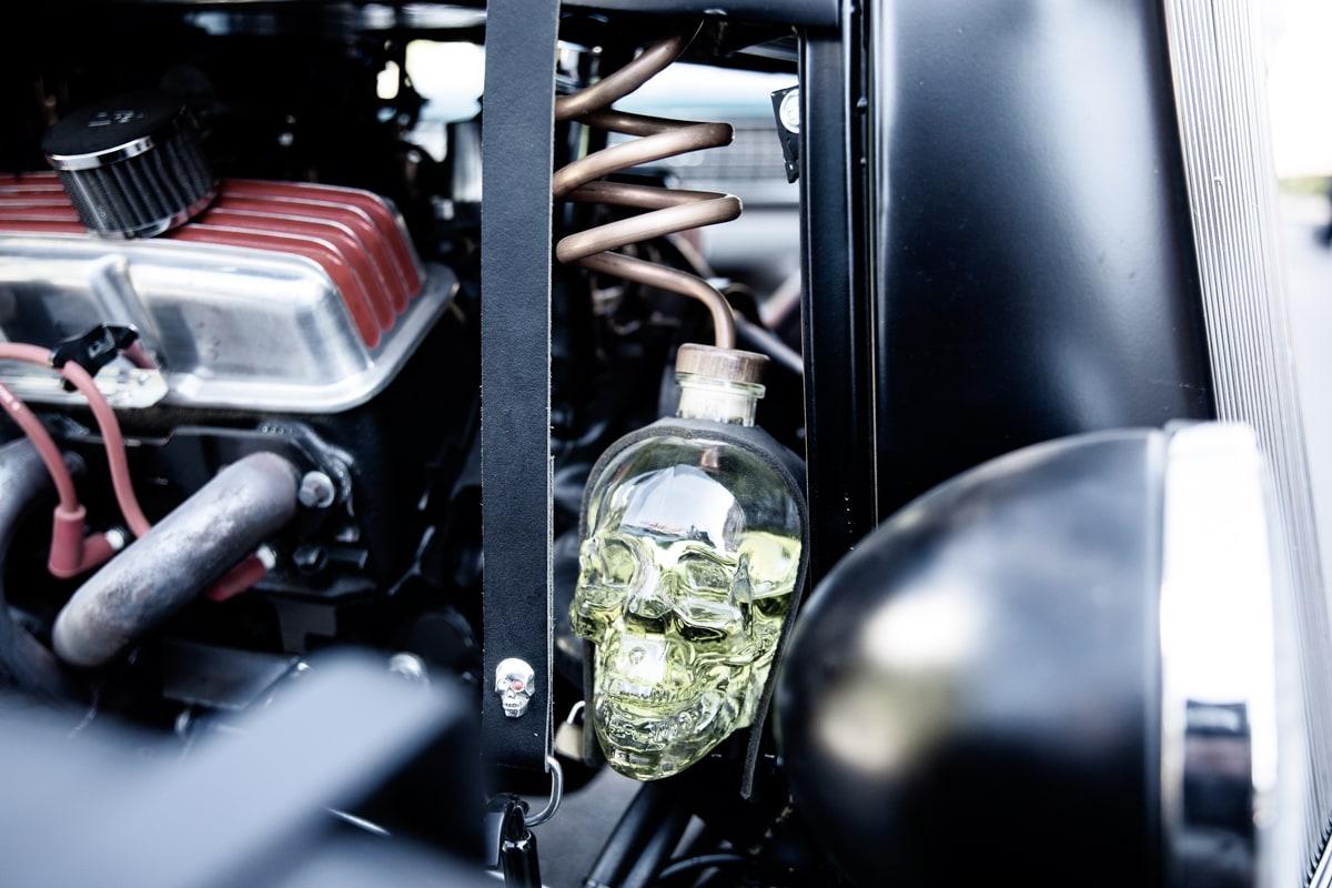 Totenkopf Kühlwasserbehälter