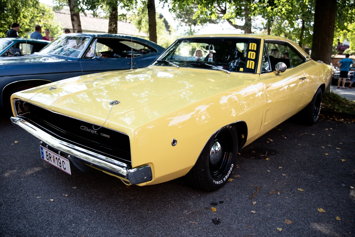 Dodge Charger gelb