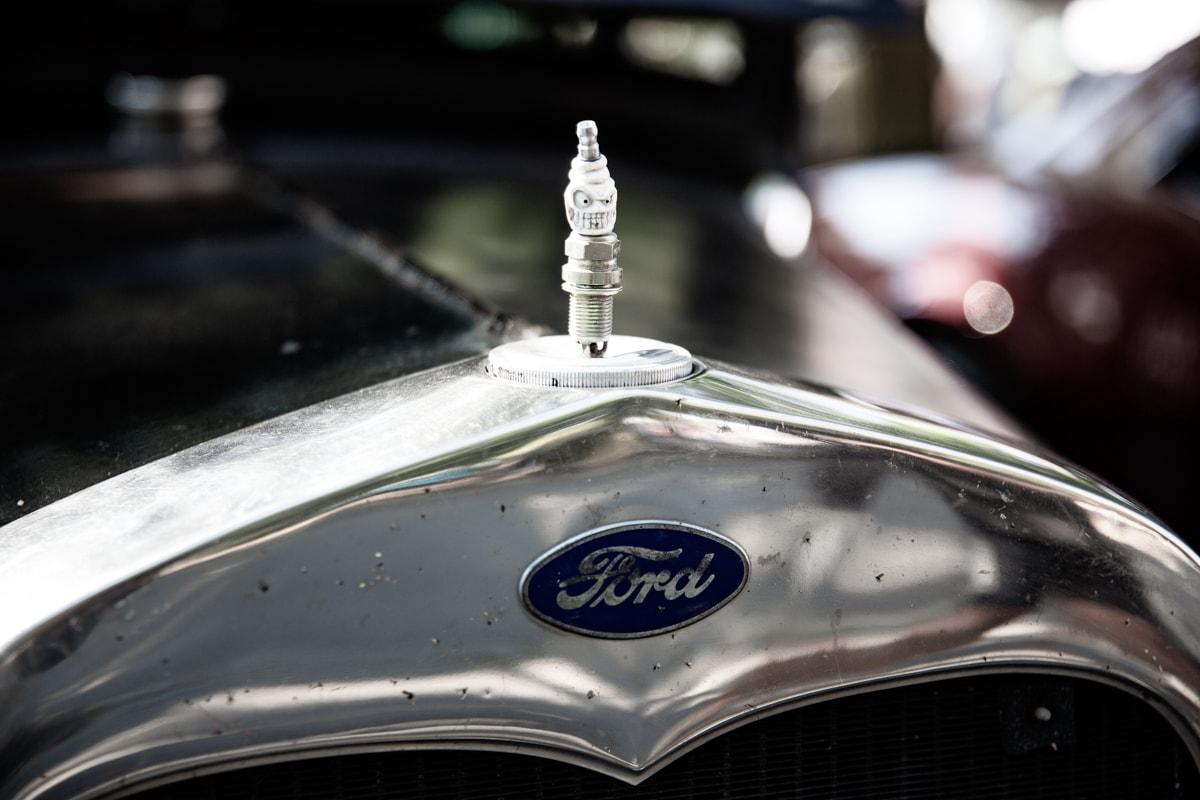Ford Kühlerfigur